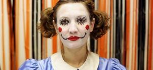 Жена клоун