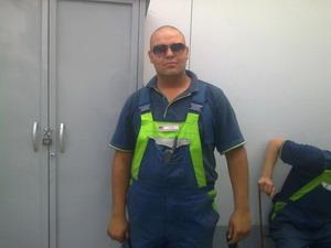 Емил Азов