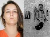 Picture: Шок! Спипаха жена със зареден патлак във вагината и дрога в задника