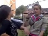 Ученички се бият за мъж