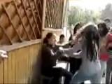 Picture: Отново женски бой в училищен двор плъзна в мрежата (ВИДЕО)