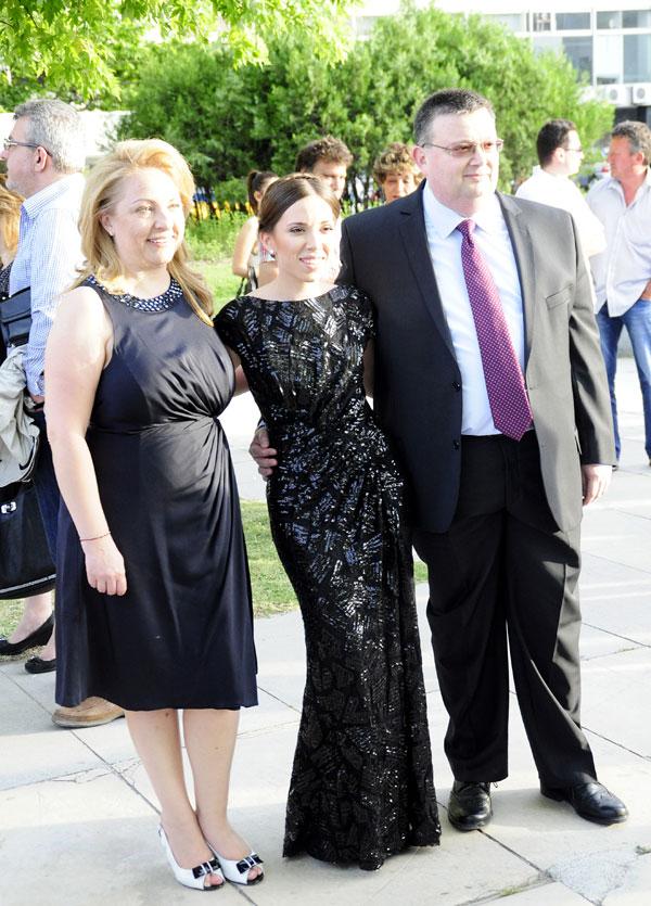 Миглена Цацарова с мъжа си и дъщеря си