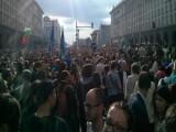 Picture: Хиляди на протест в момента пред МС, пристигат и още хора