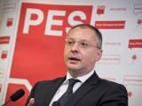 Picture: Българи препълниха електронните пощи на шефовете на ПЕС с писма срещу Станишев