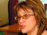 Picture: Депутатка от БСП тръгна с бутонките срещу интересите на Моника Станишева
