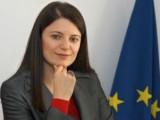 """Picture: Шефката на кабинета """"Орешарски"""" роди момче на министъра на културата"""