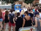 Picture: BG ЕКШЪН! Камион с мутри нахлу в имот пред очите на стотици туристи (ВИДЕО)
