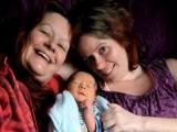 Picture: НЕВЕРОЯТНО! Жена се събуди от кома, бременна в 3-ия месец!