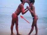 Picture: Черната Златка си отгледа коремче на плажа?! (ФОТО)