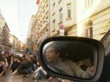"""Picture: Студенти от НАТФИЗ блокираха ул.""""Раковски"""" в центъра на София"""