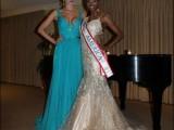 Picture: Перничанката Антония Петрова VS Мисис Америка – коя е по-красива?