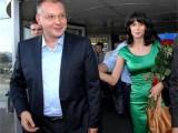 Picture: Моника Станишева се облажи от ГЕРБ с милиони, Станишев сега ги плюе