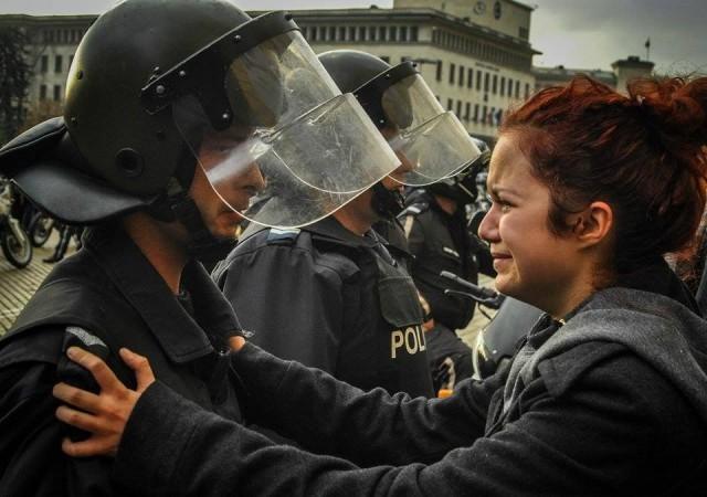 Тройната коалиция и нейната полиция срещу децата на България