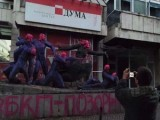 Picture: Авторът на боядисания паметник е избягал от комунизма през 1979 година
