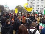 Picture: Полиция окупира парламента преди студентите