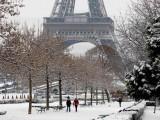Снегове затрупаха Франция