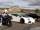 Picture: Уникално състезание: Мотор BMW срещу Veyron и Aventador (ВИДЕО)