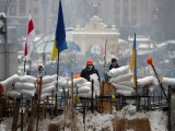 Picture: Киев: Опозицията гради барикади, монтира бодлива тел