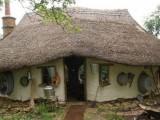 Picture: Вижте как да си построите къща за 300 лева