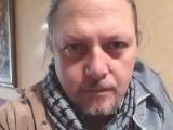 Picture: Фейсбук към Нидал Алгафари: Ближи подметките на Станишев!