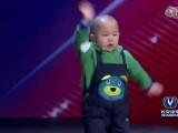 Picture: Уникален танц! 3-годишен малчуган взриви публиката в ТВ шоу (ВИДЕО)