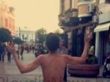 Picture: Чисто гола жена се разхожда в центъра на Пловдив