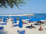 Picture: У нас шезлонг и чадър – 35 лв. на ден, в Гърция безплатни срещу сандвич за 2 евро