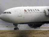 Picture: След два часа полет самолет се върна заради