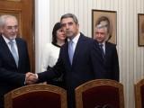 Picture: Президентът връчва проучвателен мандат на ДПС