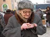 Пенсиите се повишават средно с 8 лева