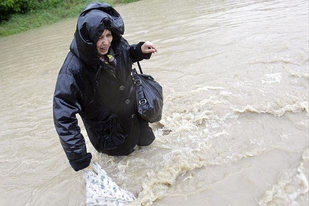 дъждове и наводнения