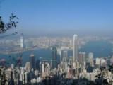 Тайфун парализира живота в Хонконг