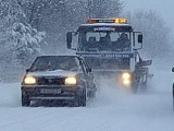 Picture: Снегът блокира движението по магистрала Хемус