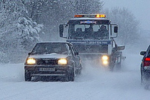 Снегът блокира движението по магистрала Хемус
