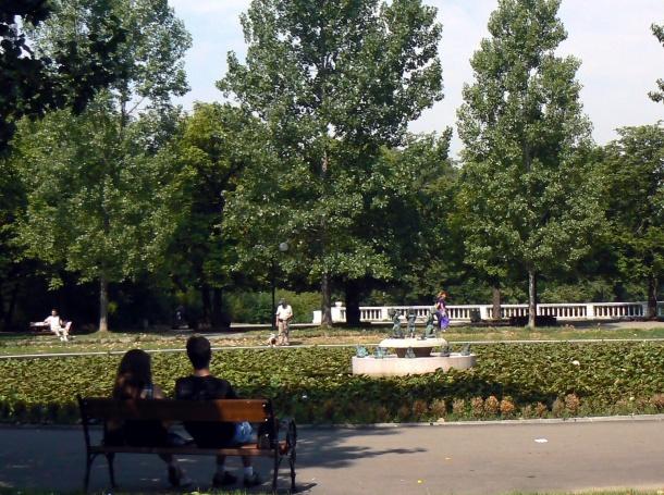 Слагат бариери в Борисовата градина