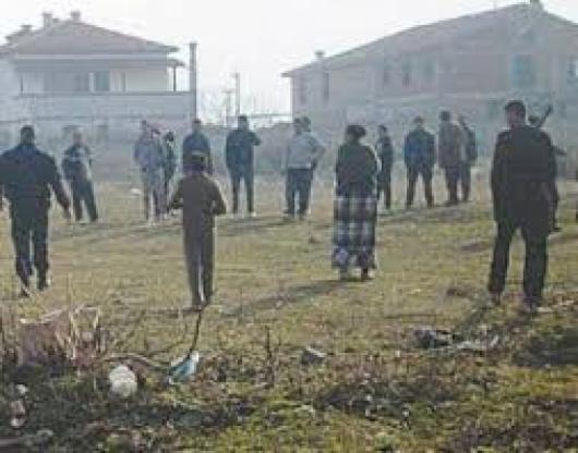 Спецакция в ромската махала в Дупница заради кражби на ток