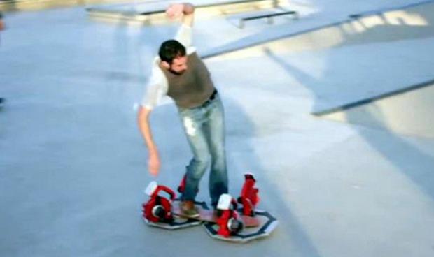 """скейтборд от """"Завръщане в бъдещето"""""""