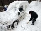 Picture: Два циклона носят сняг и сковаващ студ