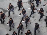 """Picture: Турската полиция нахлу в редакцията на критичния към властта вестник """"Заман"""""""