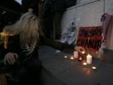 Picture: Стотици българи се покланят пред паметта на жертвите от Париж