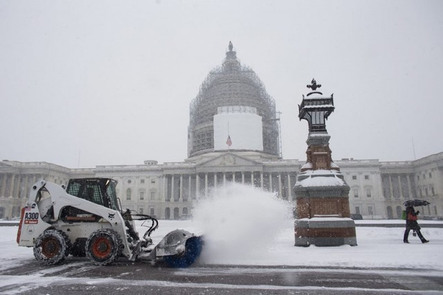 Поредна снежна буря вилнее в САЩ