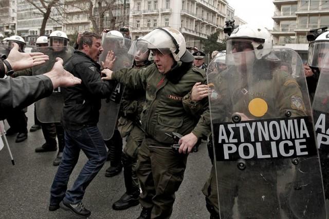 Сблъсъци в центъра на Атина