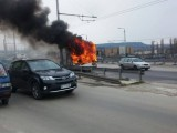 Picture: Тролей се запали в движение на Аспаруховия мост във Варна