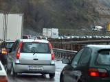 Picture: 40 километрово задръстване блокира движението между София и Благоевград