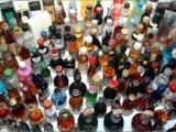Чистачка на летище откраднала 1 500 бутилки алкохол