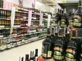 ЕК иска бутилките с алкохол да са с предупредителни надписи както цигарите