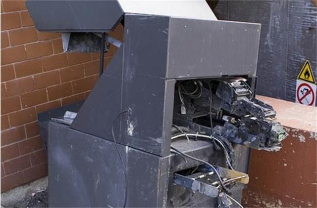 Две банди обрали 1 милион лева от банкомати у нас