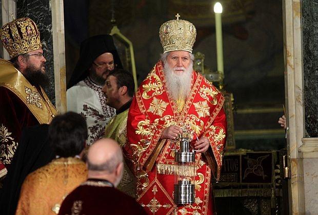 Патриарх Неофит пожела мирни, светли и спасителни дни