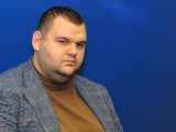 Picture: Делян Пеевски омаловажи обвиненията на бившия си партньор Цветан Василев