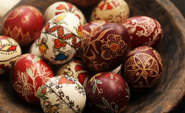 Великденските яйца се боядисват на Велики четвъртък